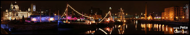 mini small albert docks pano at night.jpg