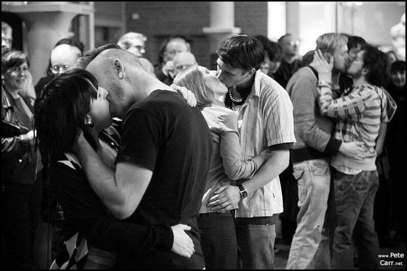 Kissing at the Tate