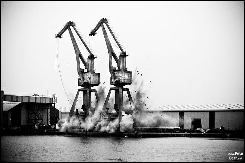 Birkenhead crane demolition