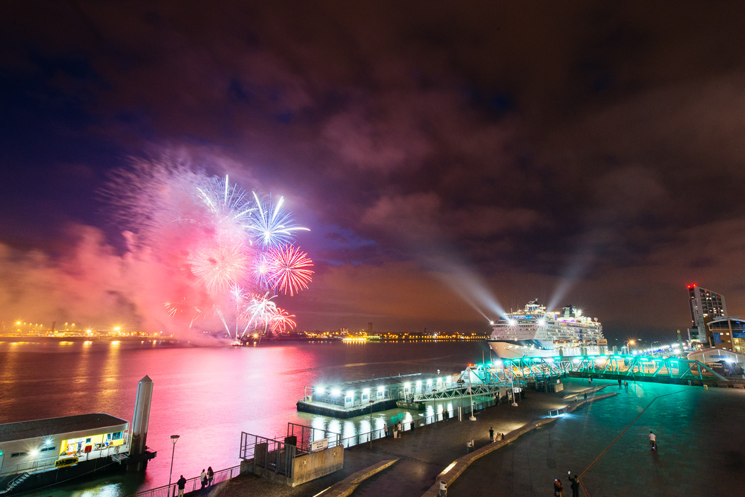 celebrity-infinity-fireworks-liverpool-5594
