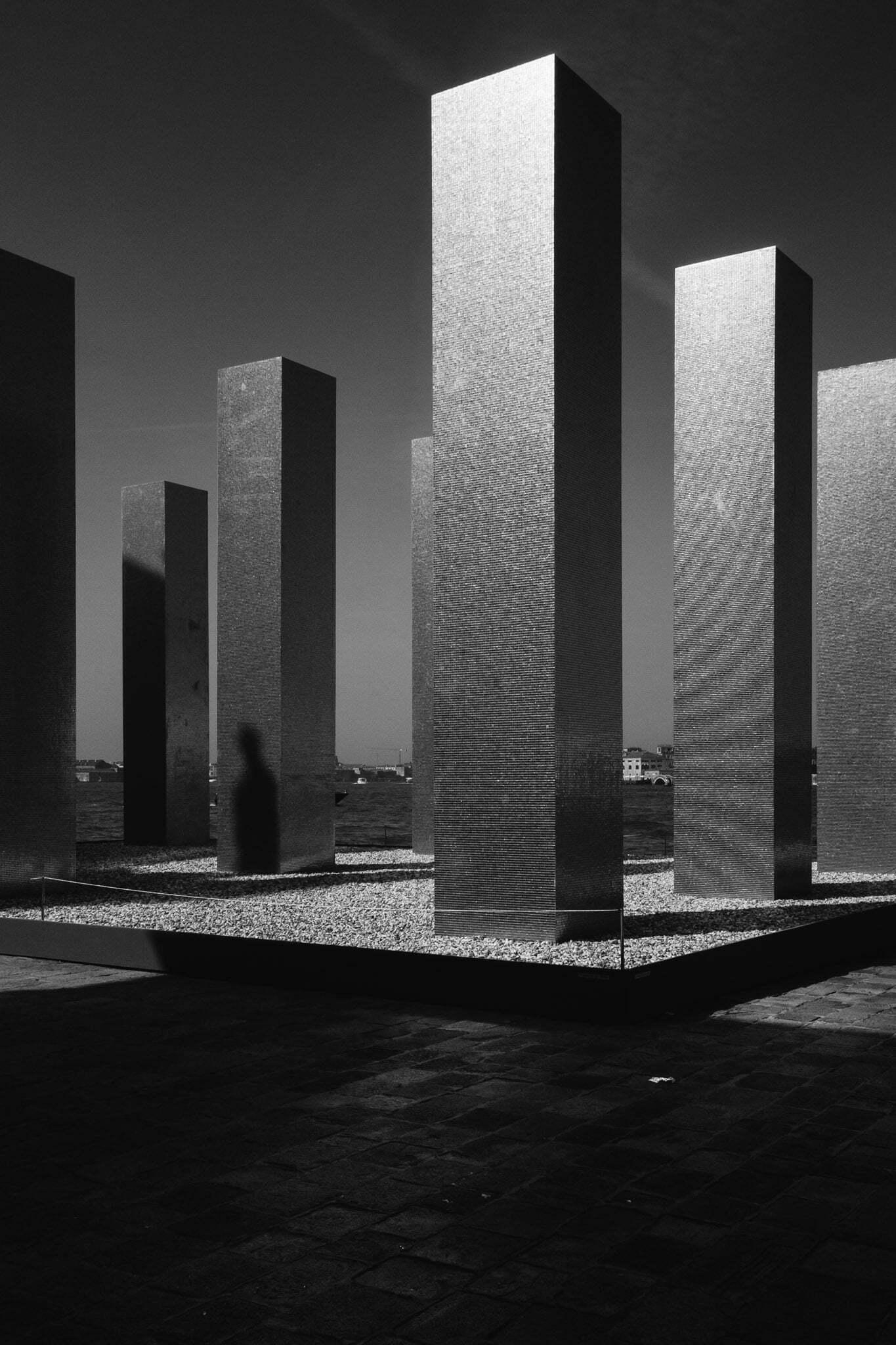 venice-architecture-biennale-2014-golden-columns-7775