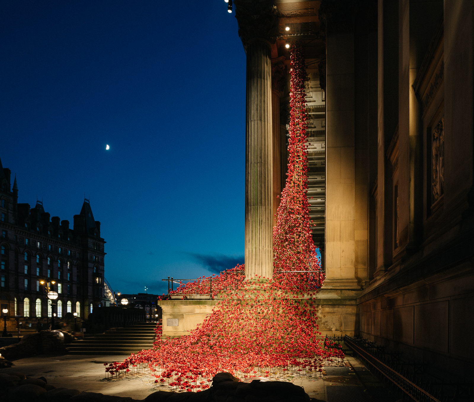 poppies-st-georges-hall-liverpool--pete-carr